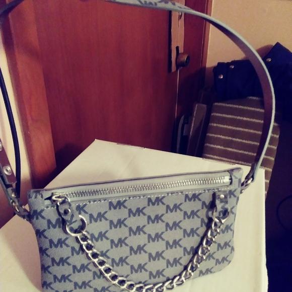 Michael Kors Handbags - Michael Kors Fanny Pack